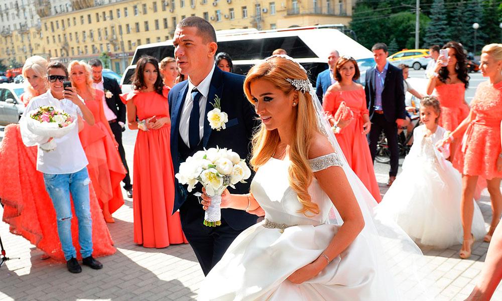 lezginka-belyj-tsvet-i-dom-2-vse-o-svadbe-borodinoj