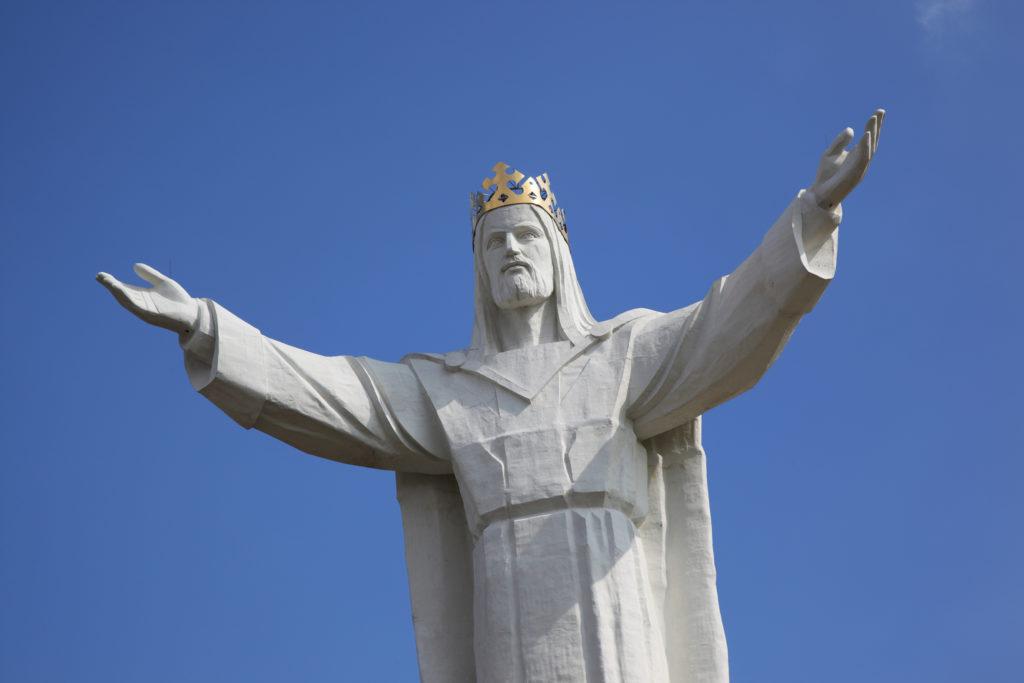 Кому в мире больше всего памятников-2