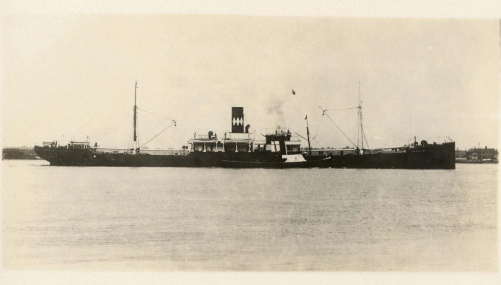 Кто изобрел первый пароход-6
