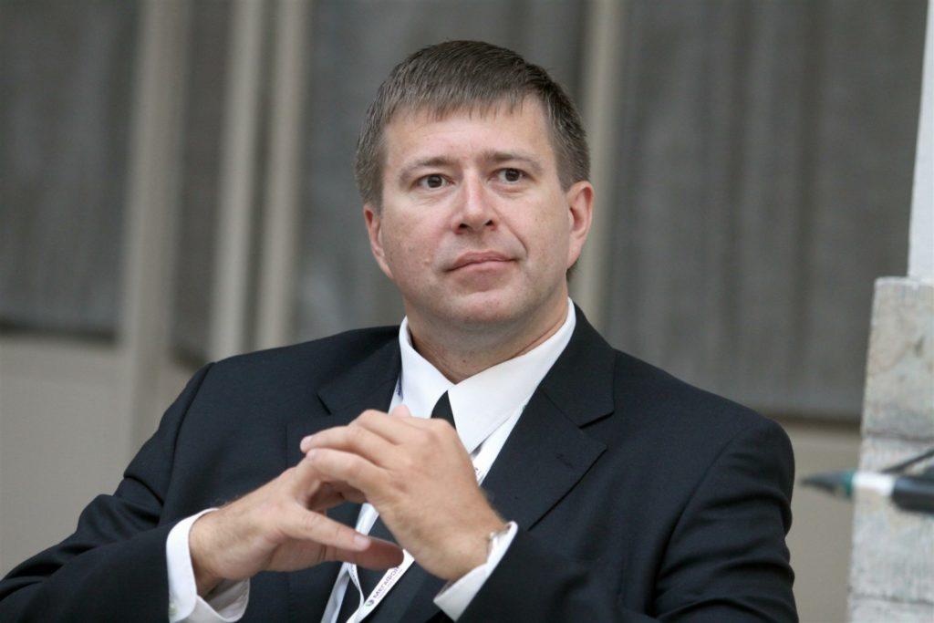 Кто осуществляет руководство деятельностью министерства юстиции России-2