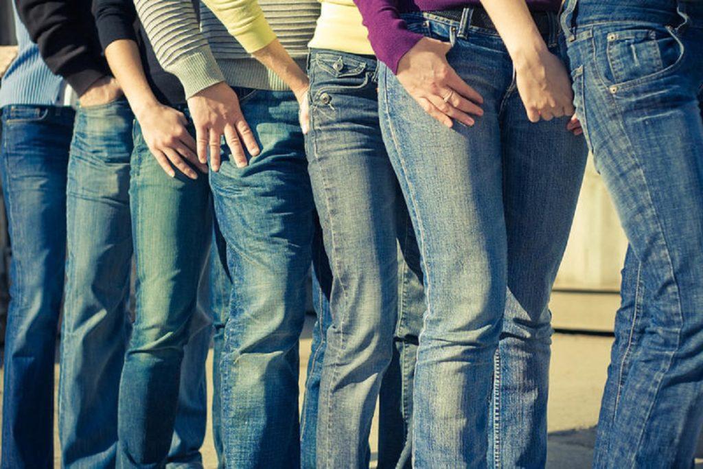 Кто придумал ставить на карманы джинсов медные заклепки-4